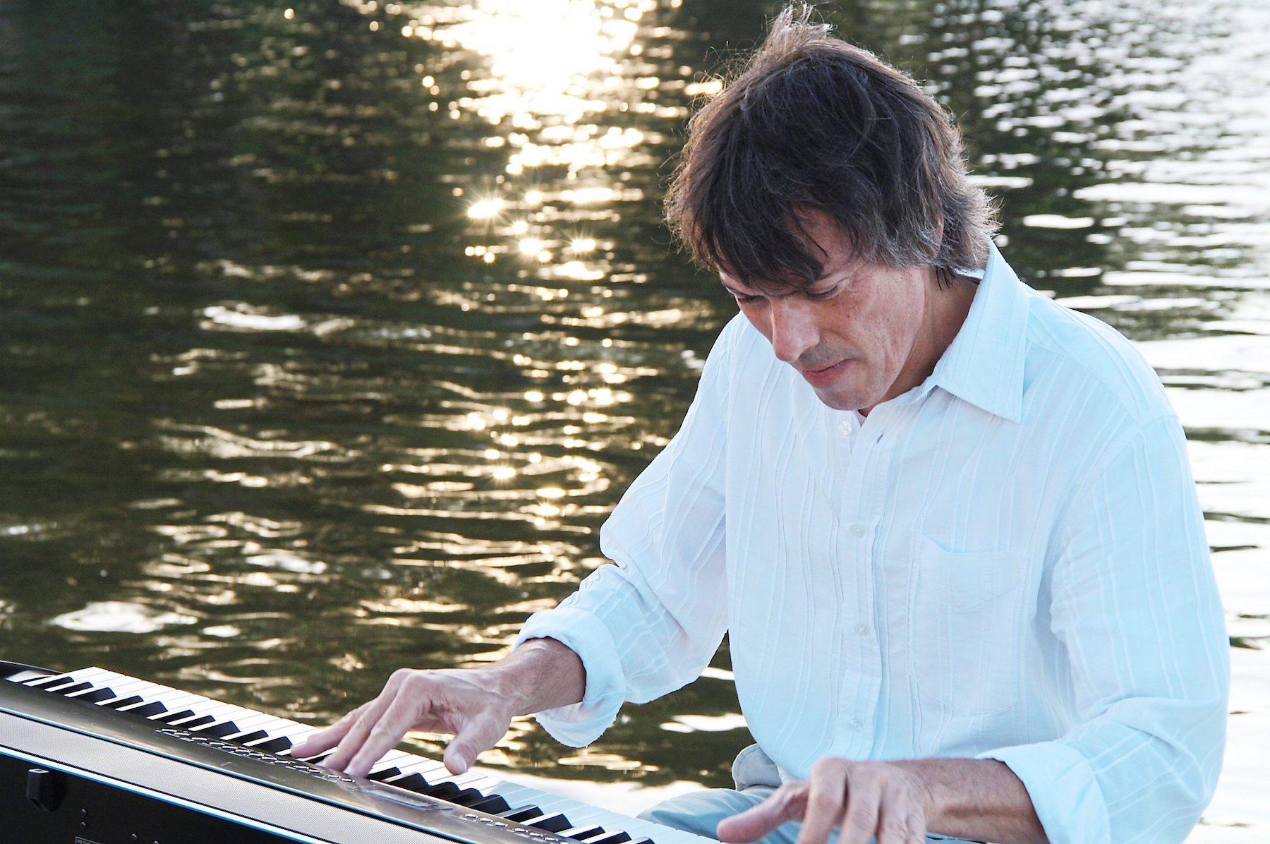 Der Pianist auf dem Wasser